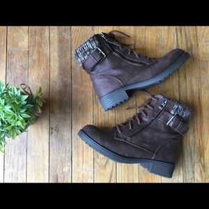 Cute ankle boots/booties. Fashionable, NWOT.
